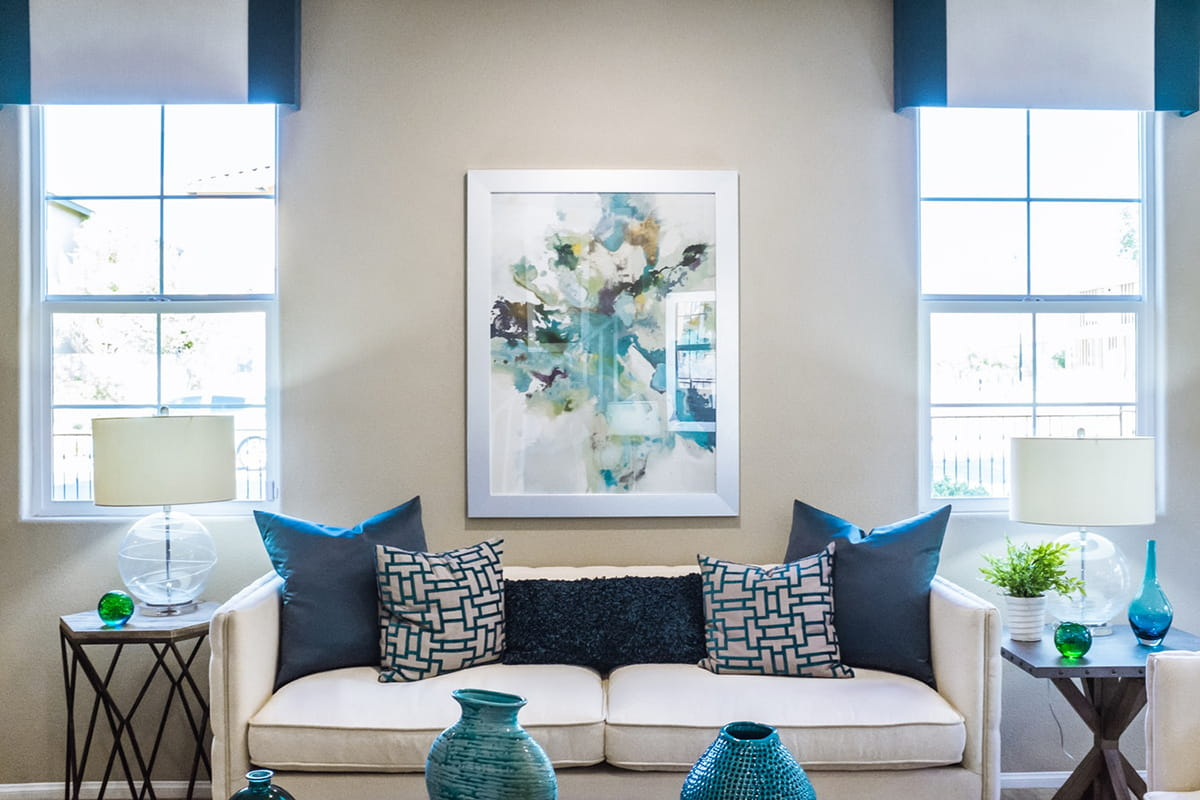 Super How To Decorate Your First Apartment On A Budget Beutiful Home Inspiration Xortanetmahrainfo